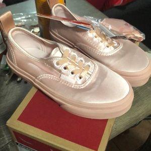 Girls light pink vans